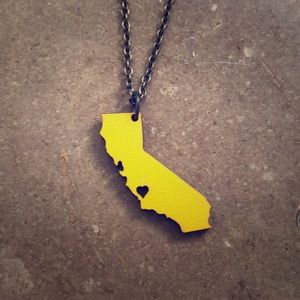 Jewelry - California State Necklace with heart